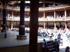 Blick in das Innere des Globe Theatres in London